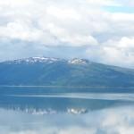 norvegia cielo e montagne riflesse