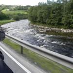 torrenti lungo la strada per dombas